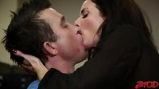 Crossdresser sluts eat tits and fuck huge cock - duration 25:31