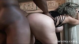 Casual Interracial Hard Sex Turns Out To Have Great Creampie - duration 8:58