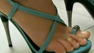Brazilan Lesbians in Foot Worship - duration 27:38
