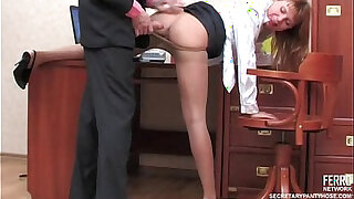Sexy secretary in pantyhose - duration 11:00