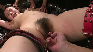oyuncaklama - Slamming her with some toys so she gets off hard
