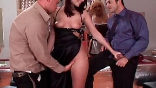 Fuck.My.Wife.Do.The.Barmaid - duration 22:00