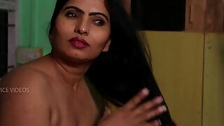 Desi Aunty Tempting Herself In Bathroom Hot Romance With Servant - duration 7:00