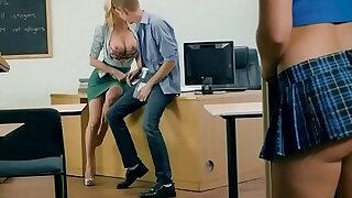 Lucky Guy Fucks Class Mate And Teacher Alexis Fawx, Bailey Brooke - duration 7:00