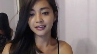 SmilesNKisses MFC leaked TRUPrivate spreads legs and touch herself - duration 3:4:58