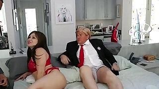 Cuckold Trump - duration 19:00