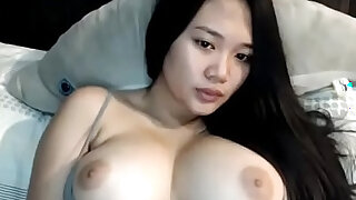 Sexy boobs Asian girl on cam - duration 5:00