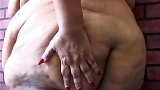 Super sized BBW fucks her soaking wet pussy for you - duration 12:00