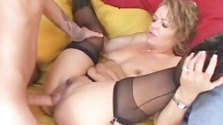Cougar Babe Seduces Young Stud - duration 5:00