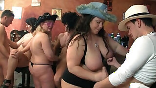 Group BBW orgy in the pub - duration 6:00