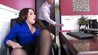 Office with Slut Lola Foxx Needs Cock In Her Ass - duration 7:00