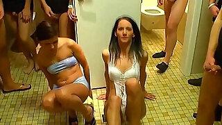 Urine sluts pussy eaten - duration 10:00