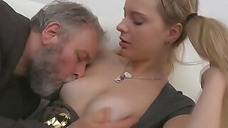 Juvenile sweetheart licks and rides old rod - duration 5:00