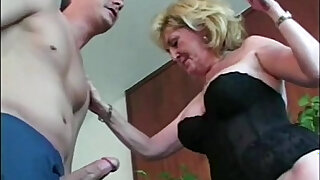 Granny whore loves young - duration 5:00