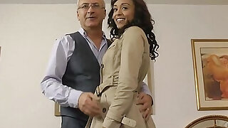 Ebony amateur in stockings gets fucked - duration 10:00