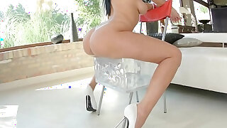Kyra Queen gets her ass drilled gonzo style in anal scene - duration 8:00
