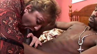 Plumper taking black dick in her vagina in BBW mature porn video - duration 5:00