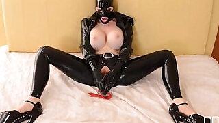 BDSM Sex Goddess Latex Lucy Masturbates till Orgasm - duration 27:00