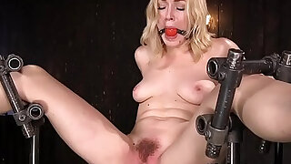 Anal blonde sub pussy toyed - duration 5:00