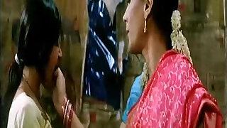 Girls Kissing Dil Dosti Etc - duration 0:20