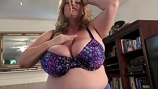 Bbw milf kimmie kaboom peels off her nylons and plays - duration 6:00