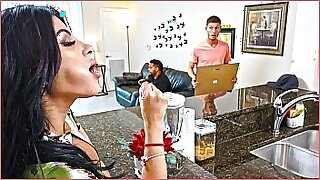 Big ass latina keeps busy at home - duration 12:34