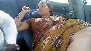 Aunty gets creampied - duration 2:21