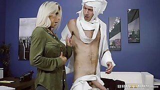 Amber Lett gets a nasty sex in the office - duration 7:56