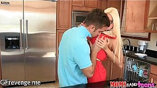 Nasty Green Mommy Caress to smash her pup - duration 5:35