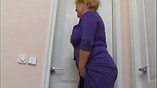 Mom really like it in the bathroom Black cats - duration 13:12