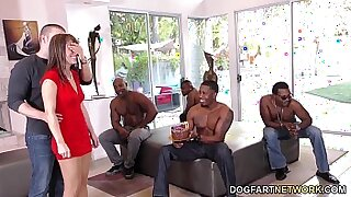 Dad Bangs Mom With Top Gangbang - duration 11:57